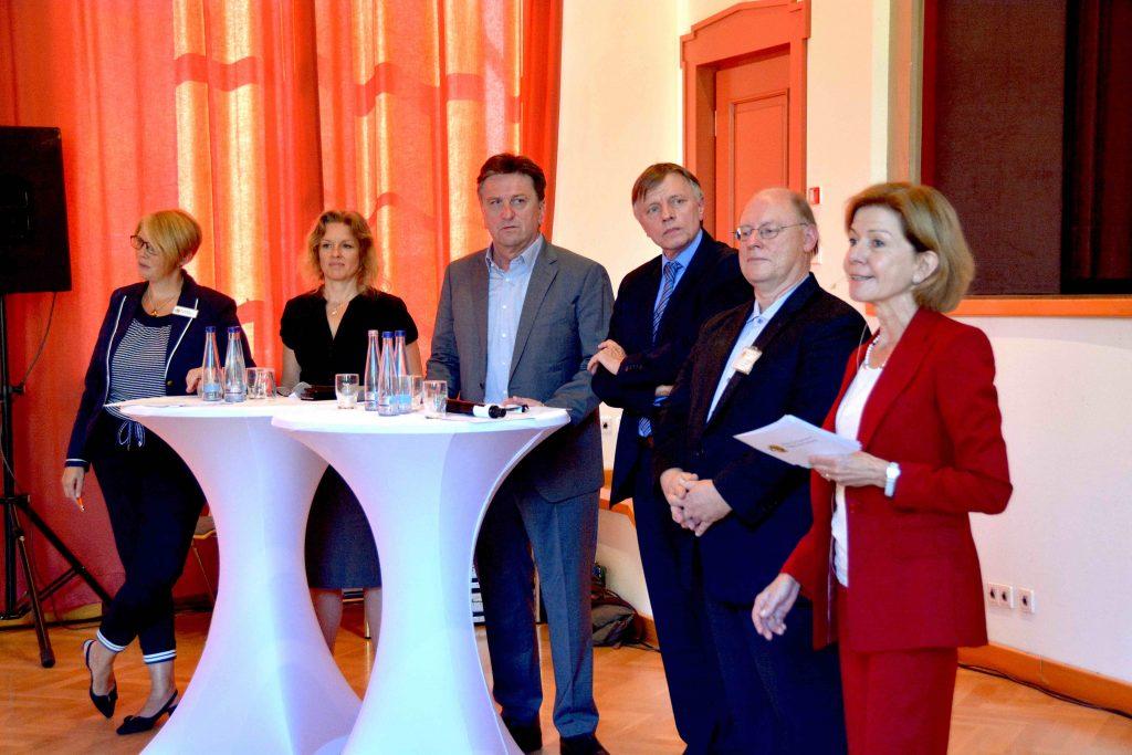 Moderation einer Informations- und Dialogveranstaltung im Auftrag der Zentren für Psychiatrie und des Ministeriums für Integration und Soziales Baden-Württemberg